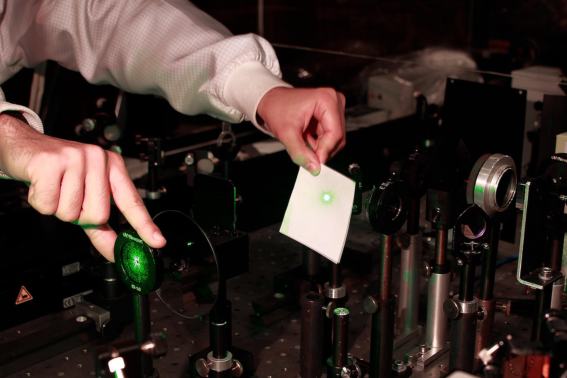 Рамановская спектроскопия для изучения в школе